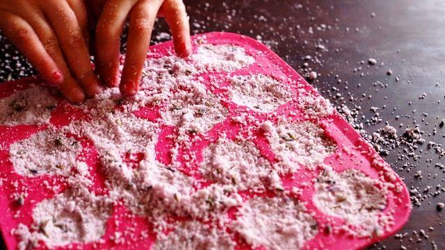 Koupelová bomba - recept na šumivku do koupele, recept, domácí kosmetika přírodní kosmetika, kosmetické recepty