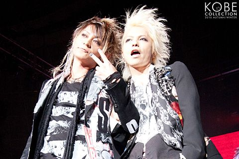 VAMPS 2010 KOBE http://www.kobe-collection.com/history/2010aw/kobe/show/guest/