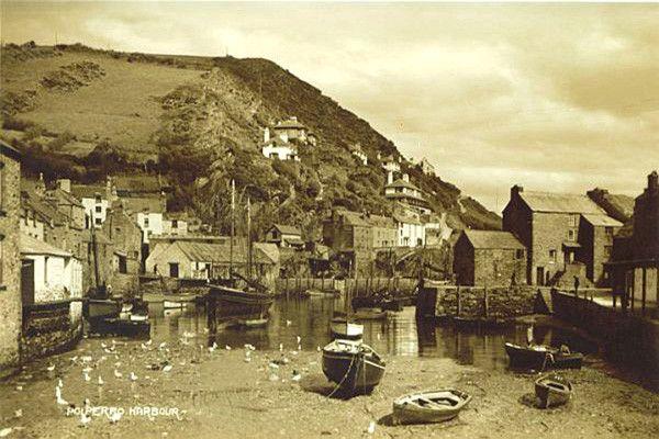 Polperro Harbour 4 - OLD PHOTOS OF POLPERRO CORNWALL
