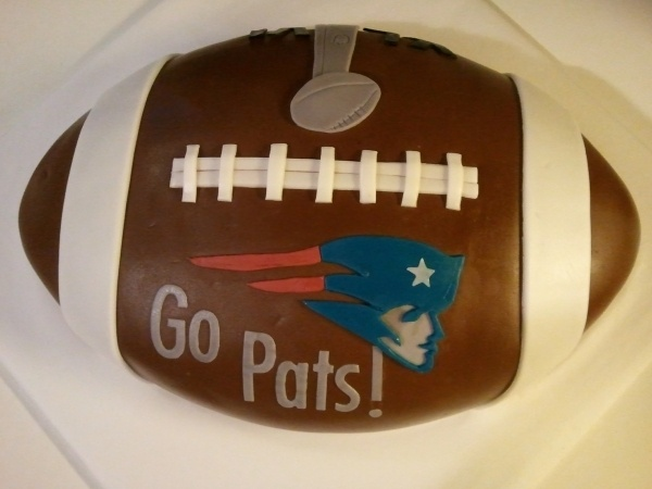 Patriots Superbowl Cake. This would be so cute with any team.