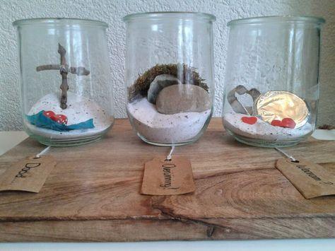 """Vorige week liet ik op mijn blog al foto's zien van potten  die ik wilde vullen met het """"Evangelie"""". Deze staan ondertussen op tafel en wild..."""