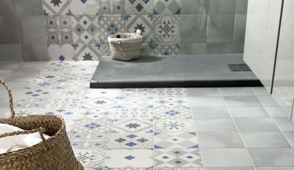 12 best salle de bain images on Pinterest Bathroom, Bathrooms and - plafond pvc pour salle de bain