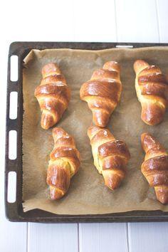 Rezept für Süßkartoffel-Hörnchen mit aufgeschlagener Ahornsirup-Butter von moeyskitchen.com
