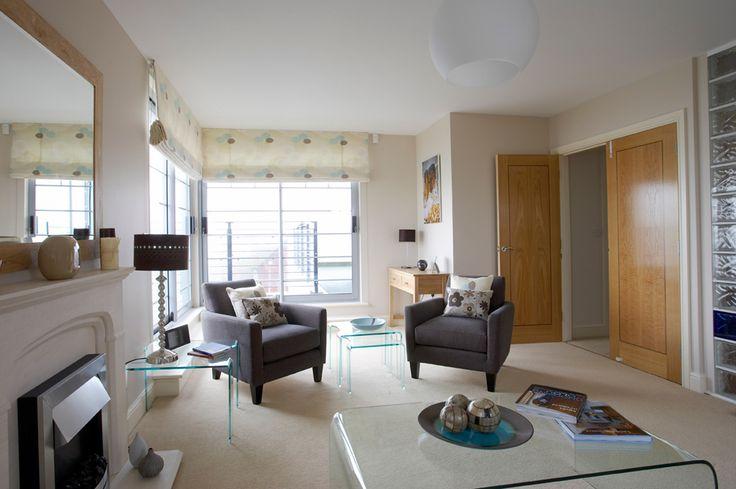 Seaside living room | seaside interior | beachside interior | beach home | seaside home | seaside interior inspiration | contemporary interior | contemporary living room