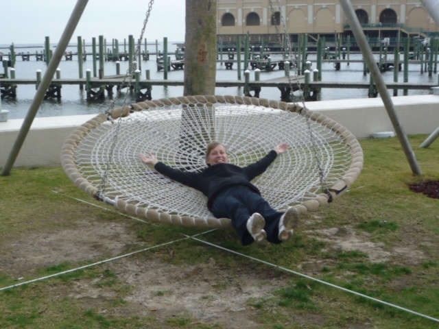 17 best images about hammock on pinterest backyards for Hanging round hammock