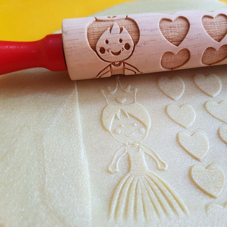Another beautifully engraved rolling pin is our #PlaydoughToolOfTheDay. This one features princesses!