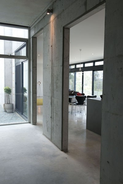 Concrete  Grand Designs Australia - Series 3-Episode 8: Ocean View House | LifeStyle Channel
