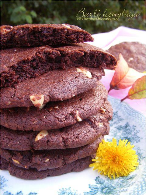 Barbi konyhája: Csokoládés keksz - Mc Café-sBarbi konyhája: Csokoládés keksz - Mc Café-s