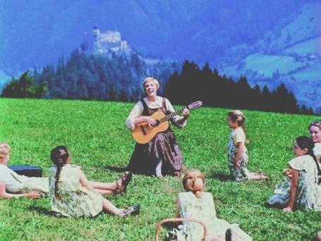 Google Image Result for http://whysoblu.com/wp-content/uploads/2010/11/maria_hills_guitar_children_singing_lessons_music.jpg