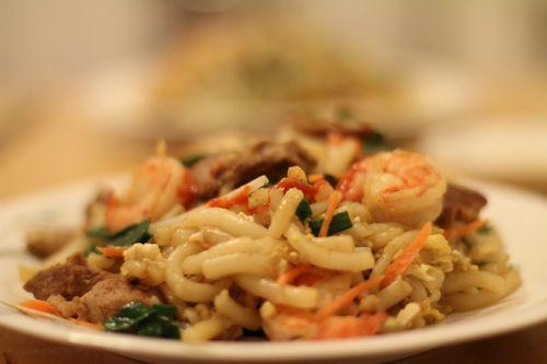 Bánh lọt xào tôm hút khách ở Hà Tiên - http://congthucmonngon.com/63361/banh-lot-xao-tom-hut-khach-o-ha-tien.html