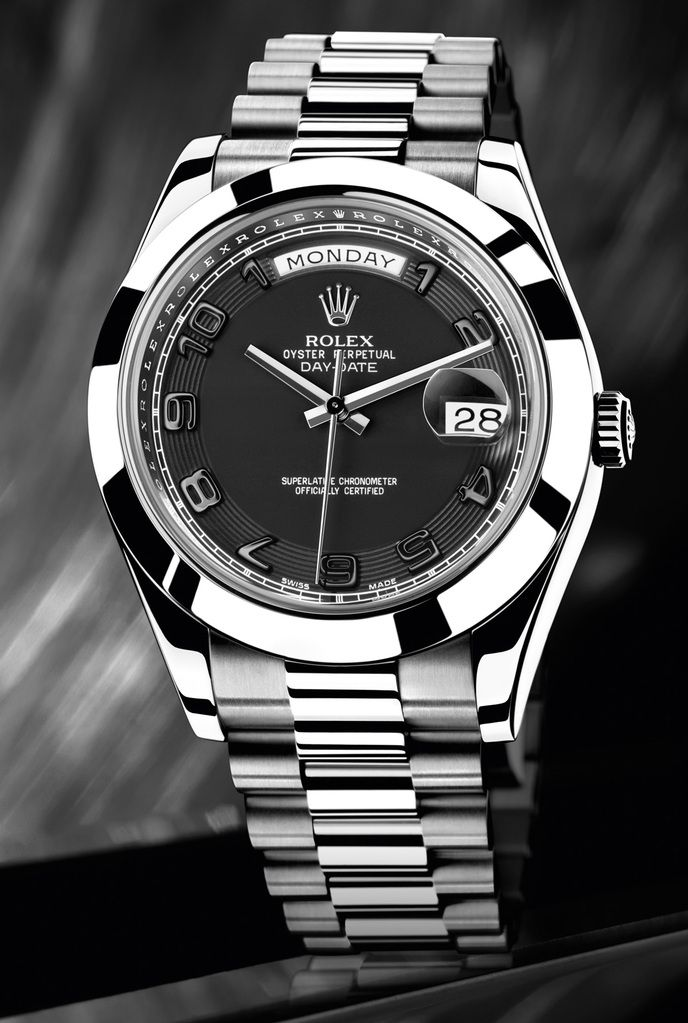 A great photo gallery is waiting for you. I share with you, designs of luxury watches in this photo gallery.