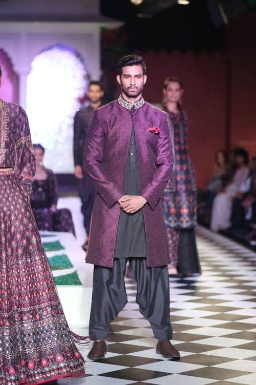 Anita Dongre at India Couture Week 2016 - Look 8