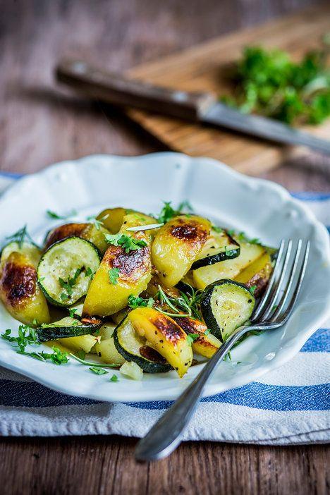 3 recepty z jarních brambor.   Cuketa, česnek, brambory... Jak jednoduché, a přitom tak geniální jídlo!