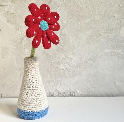 Source: http://isabellekessedjian.blogspot.com.es/2013/02/un-vase-au-crochet.html