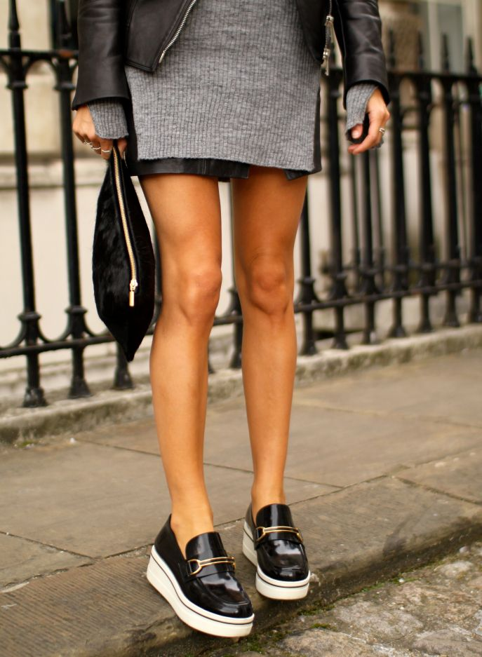 black flatforms inspiration post