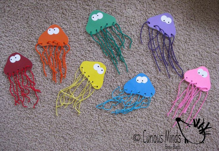 Jelly Fish Color Match Busy Bag (learning activity) for Toddlers and young children. Self-contained activity that you can pack and pull out when needed. $6.00, via Etsy.