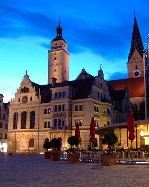 Ingolstadt est, avec plus de 120 000 habitants, la sixième plus importante ville de la Bavière. Ville de constructeur Audi