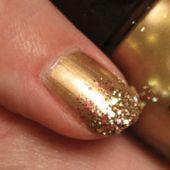 DIY: feestelijke glitter nagels - Girlscene