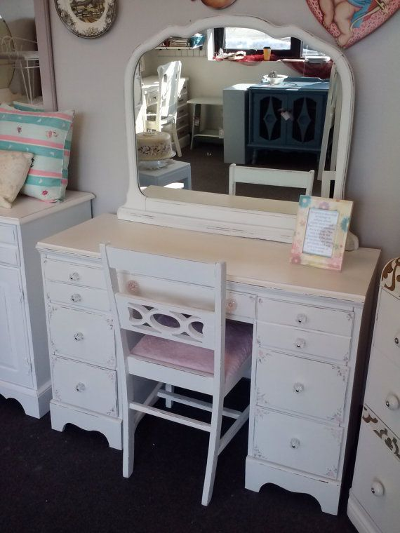 56 best Vintage Vanity, Dressing table, Make up table, Shabby Chic ...