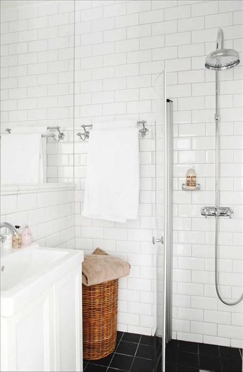 http://inredningsvis.se/gor-sa-har-forstora-litet-rum/ Gör så här: förstora litet rum
