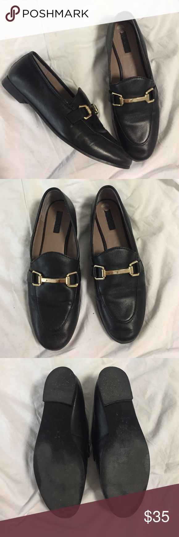 Topshop Bit Loafer Black Gold Hardware 7.5/ 38 Topshop Bit Loafer. Black color. Size 38. I am a 7.5 and it fits me. Purchased from Nordstrom. Leather with gold toned hardware. Let me know if you have any questions. Topshop Shoes Flats & Loafers