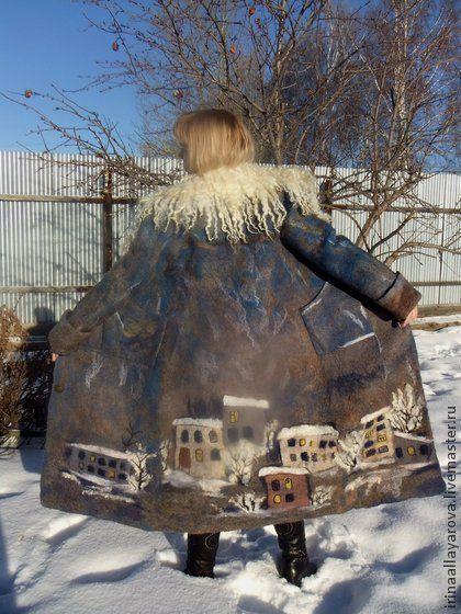 Пальто валяное `Зимний город`.