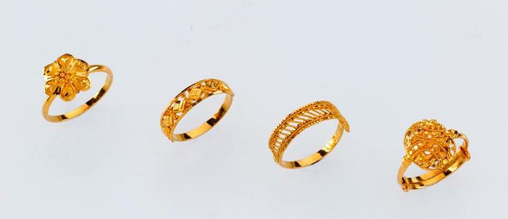 Simple yet Striking Ladies Rings - from the gold factory  a) 1.900 gm, Rs 6,120/- b) 2.120 gm, Rs 6,900/- c) 2.350 gm, Rs 7,630/- d) 3.680 gm,Rs 11,750/-