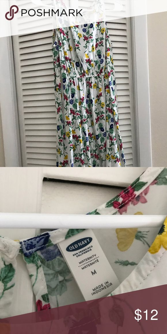 Old Navy floral maternity dress This pretty floral maternity dress will last your entire pregnancy. It's light weight with a bit of a stretch. Old Navy Dresses