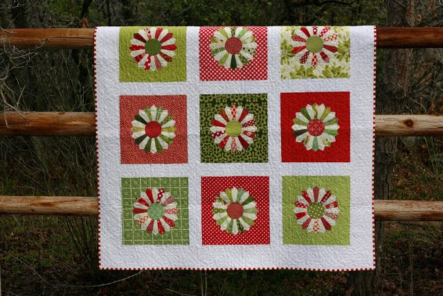 If you would have asked me a couple years ago how I felt about Dresden Plate quilts blocks, I would have told you that I had absolutely no ...