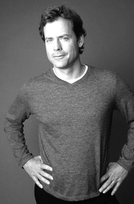 I graduated with Greg Kinnear @ U of A.  A former ATO frat boy where I was a Little Sister of their frat group.