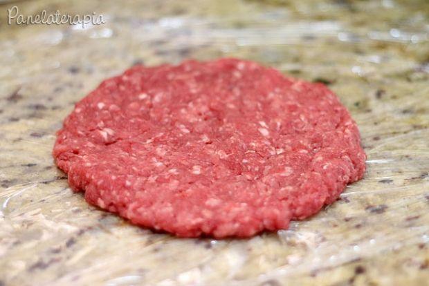 """Hamburger é uma das coisas que não consigo comprar os industrializados. Acho muito ruim, embora agora existam versões """"gourmet"""", mas, os mais populares eu não curto. Por isso aqui em ca…"""