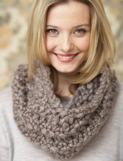 The Twists and Twirls Cowl is the easy knit scarf pattern that calls for only the most basic of knitting techniques making it the perfect easy knitting project to be taken up by beginner knitters ready to tackle something other than garter stitch knitting. This scarf knitting pattern is also a great project to take up during a relaxing evening at home.