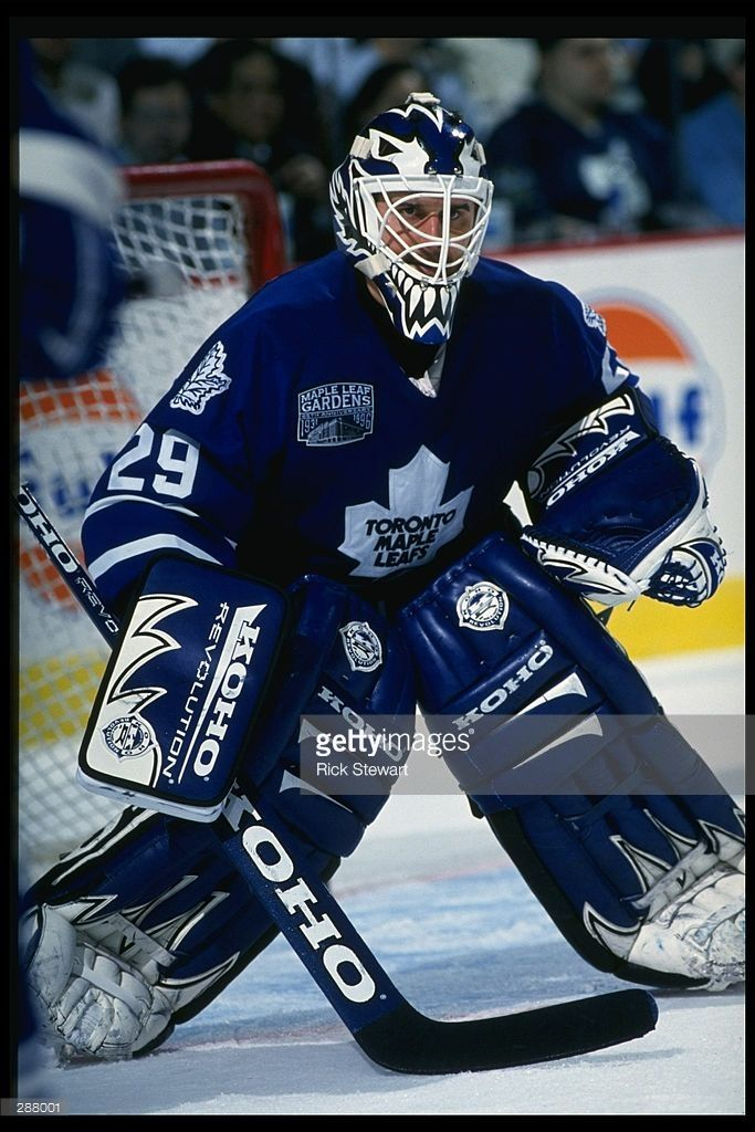 nov-1996-goaltender-felix-potvin-of-the-toronto-maple-leafs-looks-on-picture-id288001 (683×1024)