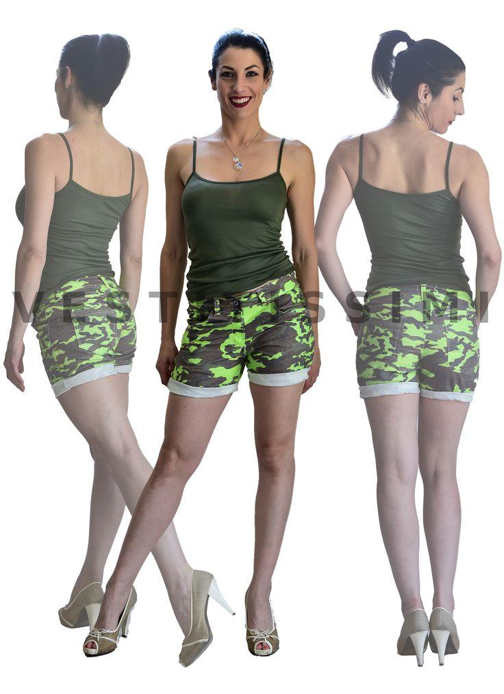 Pantaloncini donna SPORTIVI  Shorts donna sportivi. Pantaloncini corti fitness fantasia mimetico militare in misto cotone  Pantalonicino sport made in Italy, perfetto per la palestra, il jogging e l'attività all'area aperta.  Pantaloncini sportivi estivi imperdibili per un look sexy fashion.  Taglia unica, calza una XS/M ovvero stanno più comodi ad una XS e più aderenti ad una M.  Il modello di pantaloncino taglia S, M ed L calzano aderenti ma comodamente