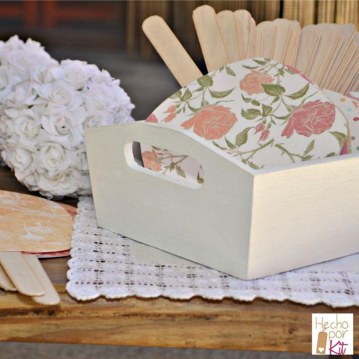 Kit DIY de paipays para Bodas. Todo el material que necesitas para hacer los abanicos de tu boda. Un detalles para tu boda de verano que enamorará a tus invitados
