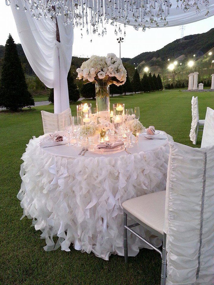 Tablescape / Curly Willow Tableskirt   White wedding . www.cvlinens.com to purchase table skirt   #event #tablescape