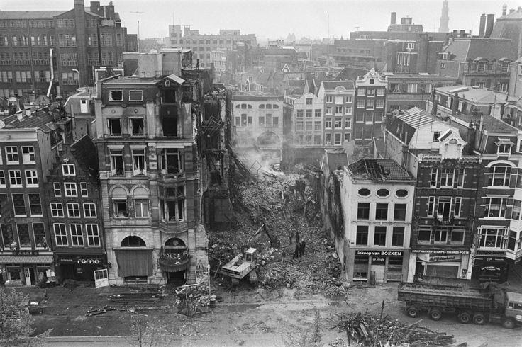 Hotel Polen (Amsterdam) uitgebrand; overzicht van de ravage na de brand, 1977.