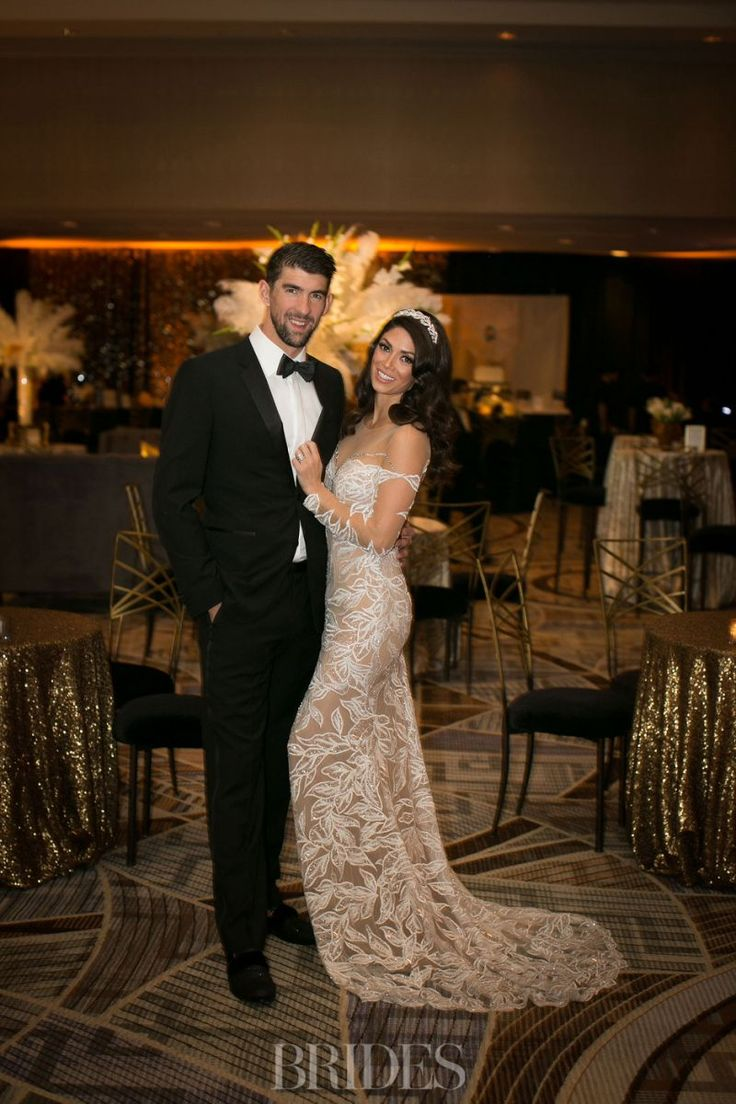 See the Insanely Intricate Black-and-Gold Cake from Michael & Nicole Phelps' Third Wedding