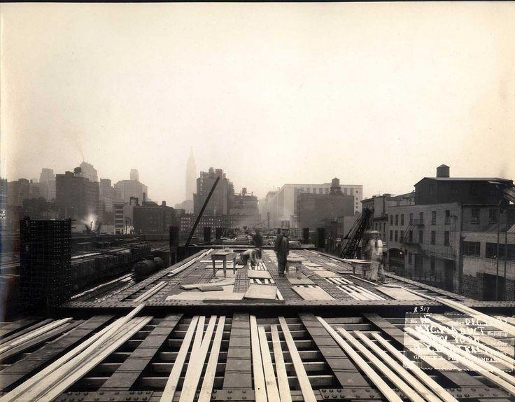 costruzione high line - anni 20 - new york - vintage - black and white picture