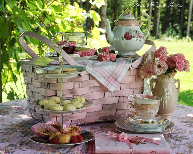 Aiken House U0026 Gardens: A Summer Pink Picnic