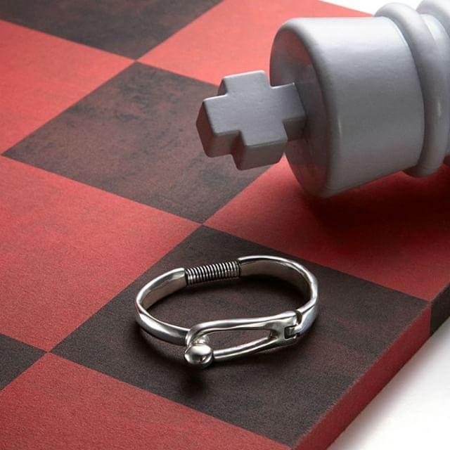 Checkmate.  Jaque mate.  #pulsera #bracelet #jewelryaddict
