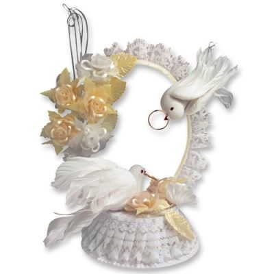 #2574 Wedding top with doves and tull arch, champagner colored
