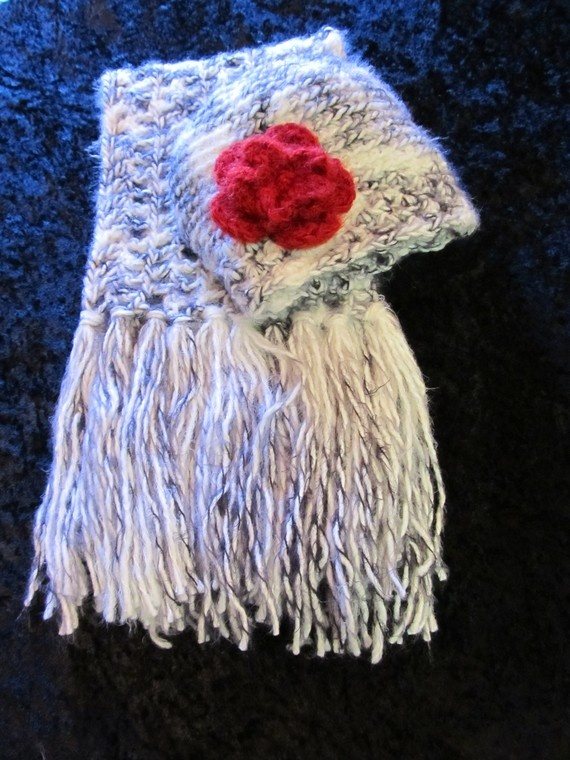 White & Black Elegant Scarf and Hat Set by clriegs on Etsy, $50.00