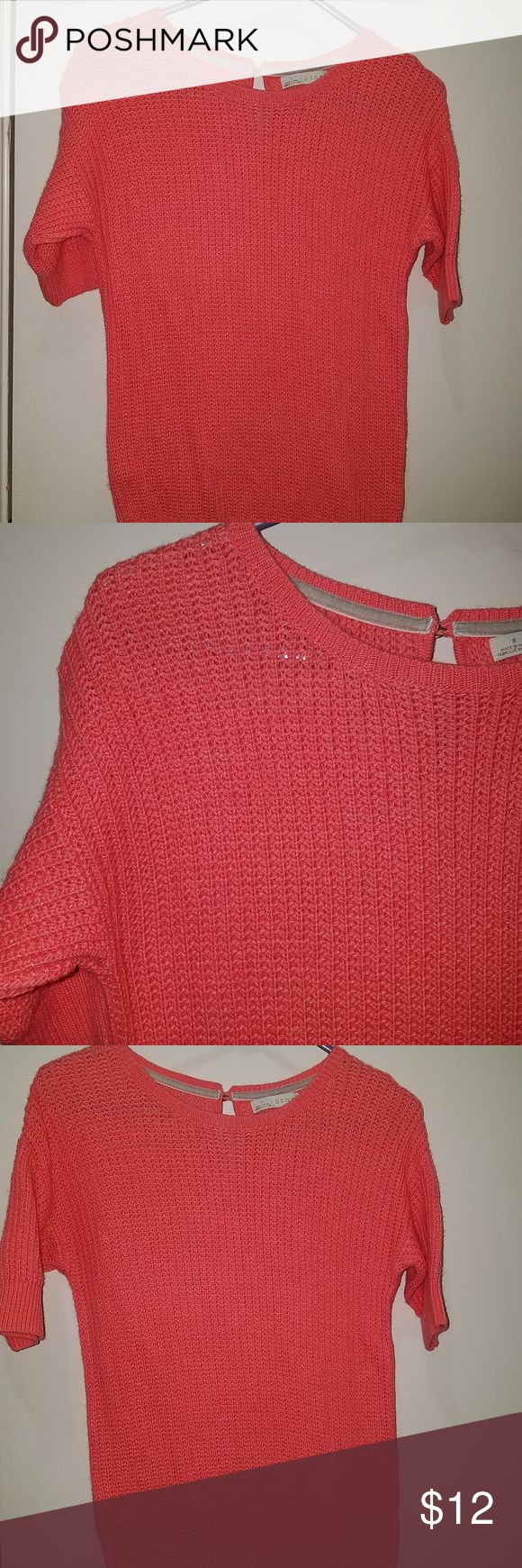 Small Hinge Short Sleeve Sweater Pink Coral very gently used, no holes or stains.   nylon blend, hand  washable  armpit to armpit 17 length 24.5 10/29 - D17 hinge Sweaters