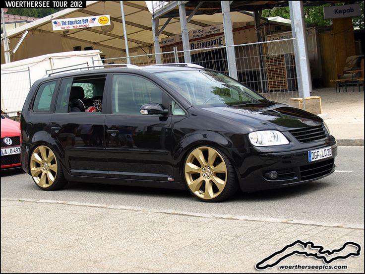 Black VW Touran