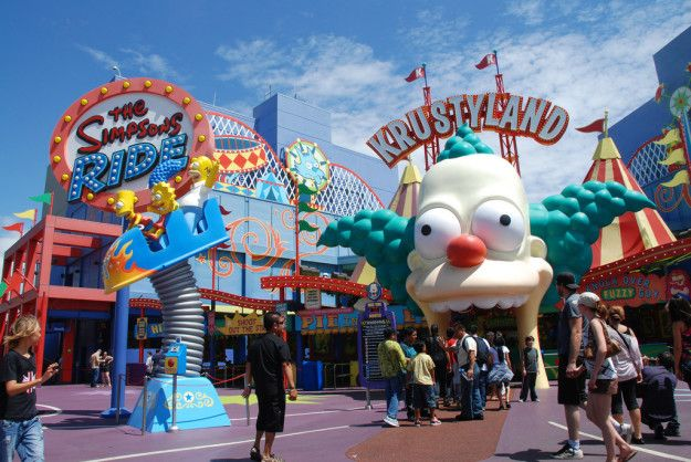 Steven Spielberg makes a cameo as a Simpsons character on the Krustyland ride (which was previously the Back to the Future ride). | 23 Hidden Gems At Universal Studios And Islands Of Adventure