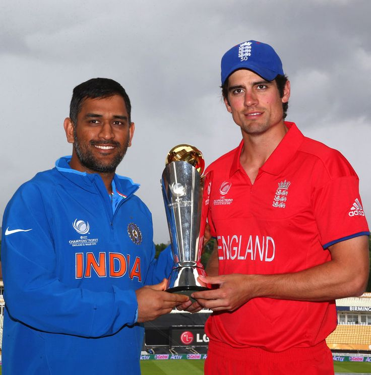 MS Dhoni and Alastair Cook with the Champions Trophy on the eve of the final at Edgbaston