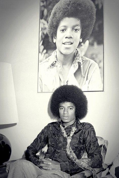 El afro fue lo suyo al principio de su carrera, pero mantener ese tipo de look iba a estereotiparlo como un artista afroamericano y no uno de talla mundial