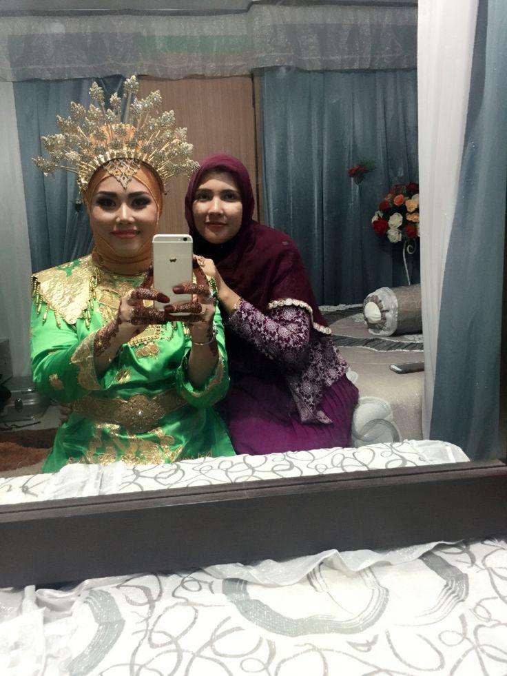 Malam bainai with mak cik happy