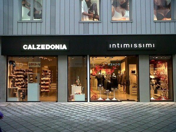 Calzedonia a Norimberga, vetrina, insegne e arredamenti by Penta Systems. (www.pentasystems.it)